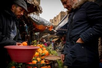 Souk Lahcen buys oranges